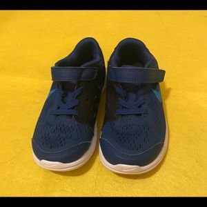 Nike boys shoes size 9